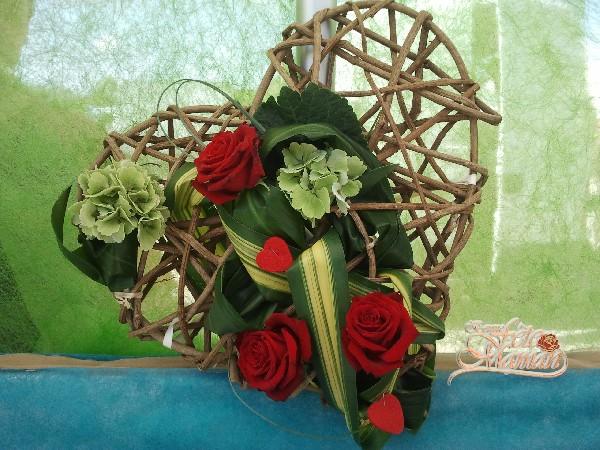 Cœur PASSION <br /> Fleurs naturelles<br /> Le cadeau : F&ecirc;te des m&egrave;res,  Saint Valentin, Mariage,anniversaire<br /> &agrave; partir de 35 €
